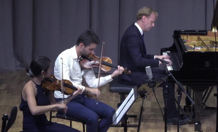 Per Tengstrand spelar tillsammans med delar av Novo Quartet